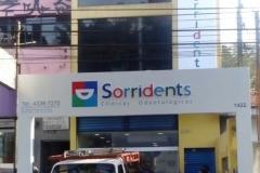 SORRIDENTS-2-579x1030